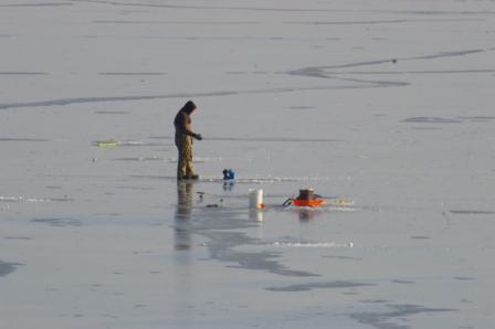 ice-fisher-4b
